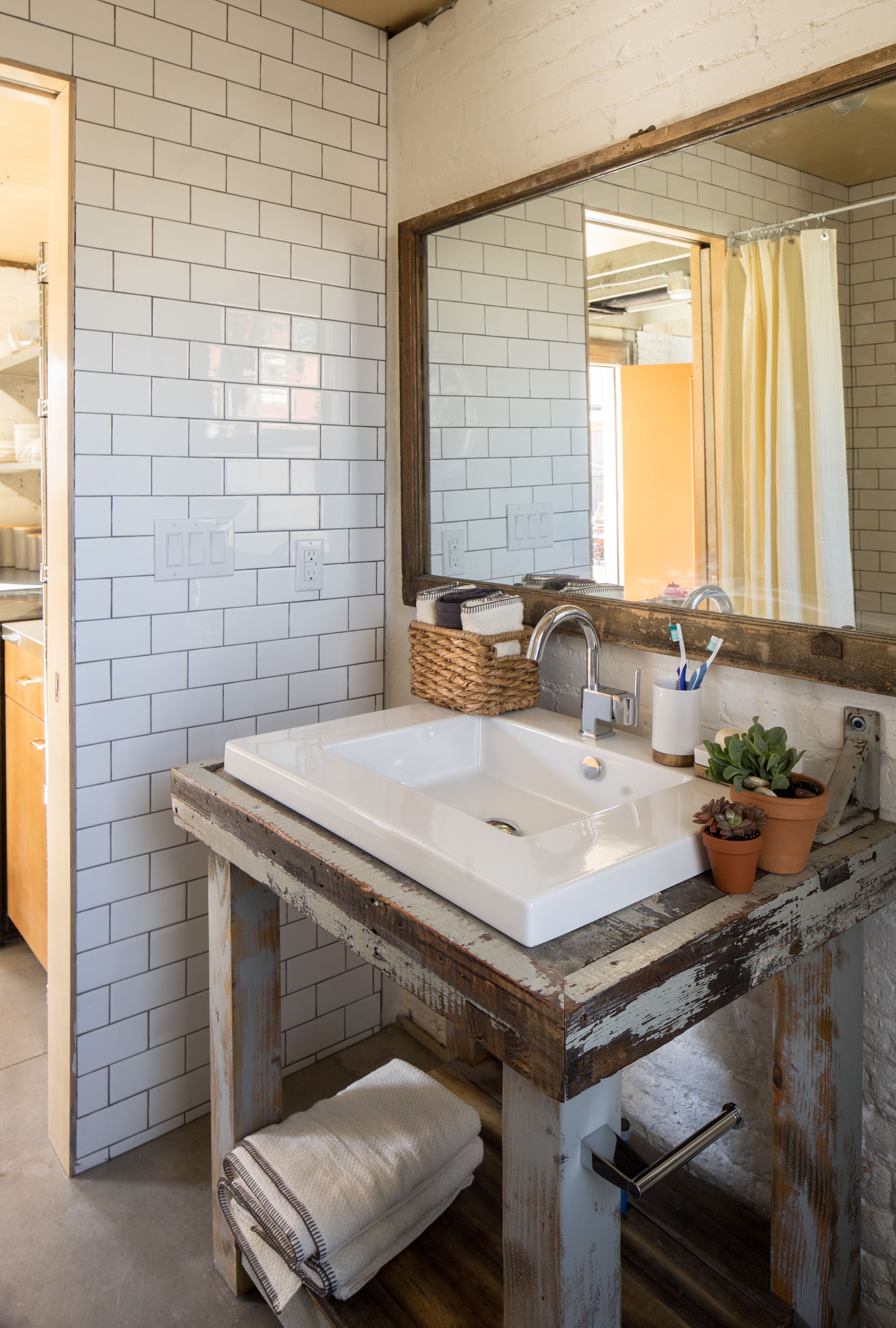 DIY Rustic Bathroom Vanity Ideas