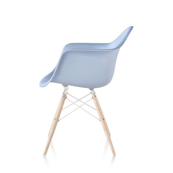 eames-molded-plastic-armchair-dowel-base-6-83187